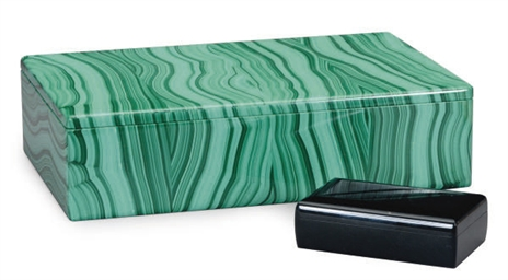 A LARGE MALACHITE VENEERED BOX