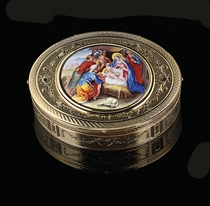 A SWISS GOLD SNUFF-BOX SET WITH AN ENAMEL PLAQUE