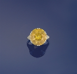 A chrysoberyl and diamond ring