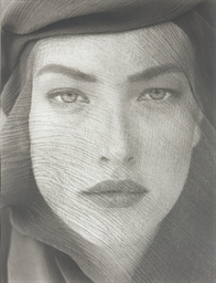 Tatjana Veiled Head, Tight Vie