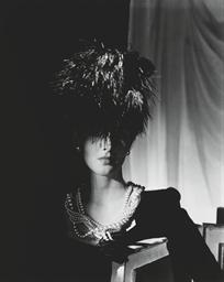 Fashion study, 1942