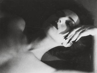 Florette, Neck Exposed, 1944