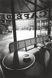 Café de Flore, Tôt le Matin, P