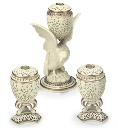 A GARNITURE OF THREE GRAINGER