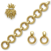 A GROUP OF GOLD JEWELRY, BY TIFFANY & CO