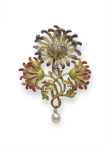 AN ART NOUVEAU DIAMOND AND ENAMEL CHRYSANTHEMUM BROOCH, BY P