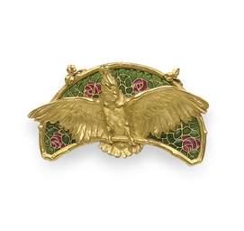 AN ART NOUVEAU GOLD AND ENAMEL