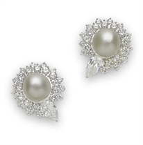 A PAIR OF DIAMOND AND PEARL EAR CLIPS