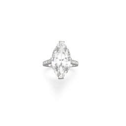 AN ART DECO DIAMOND RING, BY T