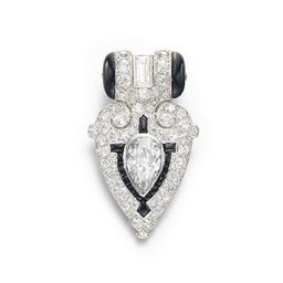 AN ART DECO DIAMOND AND ONYX D