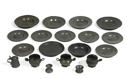 A COLLECTION PEWTER OBJECTS