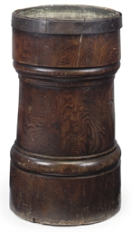 A LARGE GEORGE III ELM MORTAR
