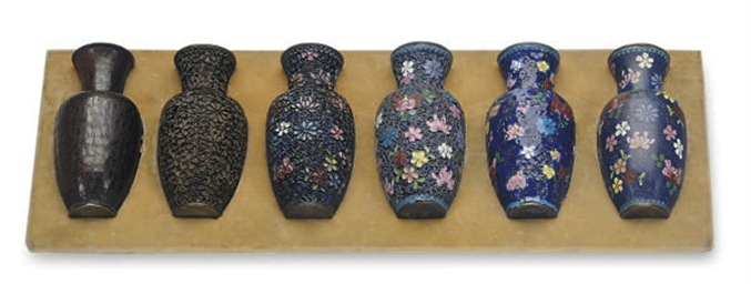 A SET OF SIX JAPANESE VASES DE