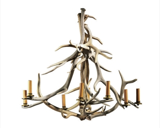 AN EIGHT-LIGHT ANTLER CHANDELI