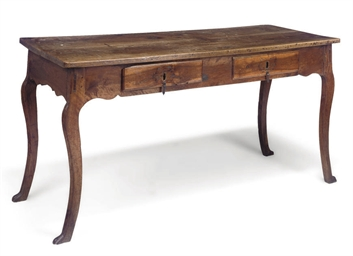 A SPANISH WALNUT WRITING TABLE