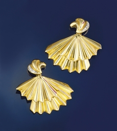 A pair of diamond set earpenda