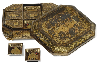 A CHINESE BLACK AND GILT LACQU