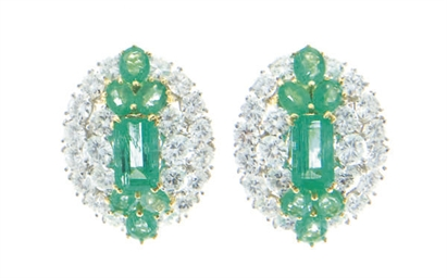 A PAIR OF DIAMOND, EMERALD, 18