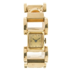 A RETRO 14K GOLD WRISTWATCH