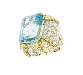 A AQUAMARINE, DIAMOND AND 18K