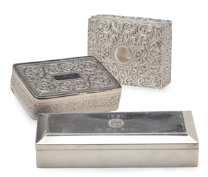 A VICTORIAN SILVER BOX AND AN