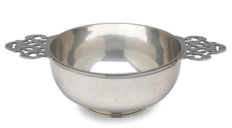 AN EDWARD VII SILVER PORRINGER
