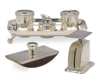 A GEORGE VI SILVER INK STAND A