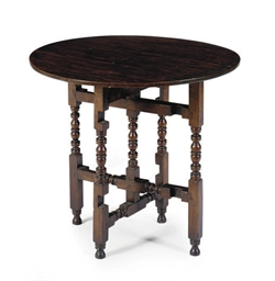 A MAPLE GATE-LEG TABLE,