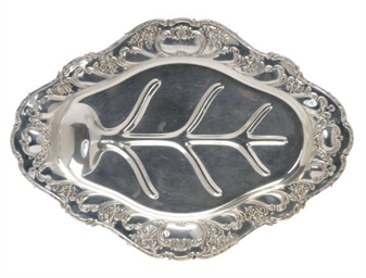 AN AMERICAN SILVER CARVING DIS