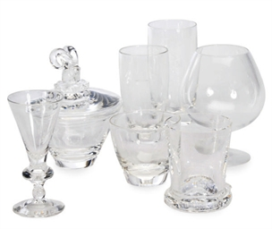 A GROUP OF AMERICAN GLASS DRIN