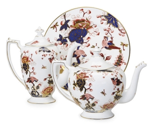 AN EXTENSIVE ENGLISH PORCELAIN