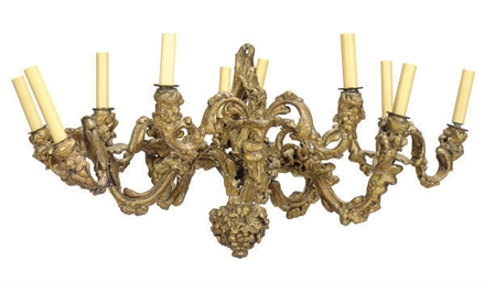 A GILTWOOD TEN-LIGHT CHANDELIE