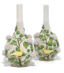A LARGE PAIR OF MEISSEN SCHNEE