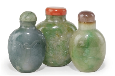 A GROUP OF THREE JADEITE SNUFF