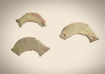 THREE GREYISH-GREEN JADE FISH