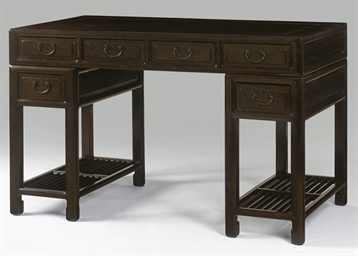 A SIX-DRAWER JICHIMU PEDESTAL