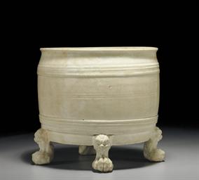 AN UNUSUAL IVORY-GLAZED CENSER