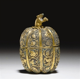 A VERY RARE GILT-SILVER MELON-