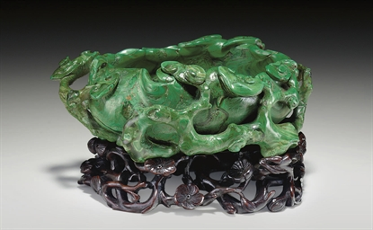 AN UNUSUAL MALACHITE BRUSHWASH