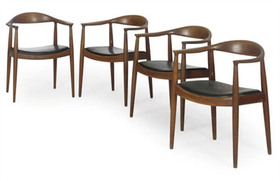 A MATCHED SET OF TEN TEAK DINI