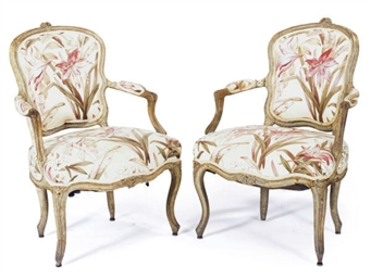 A PAIR OF LOUIS XV GREY-PAINTE