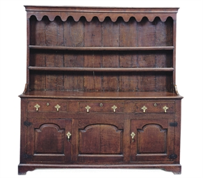 AN ENGLISH OAK DRESSER