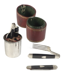 A French silver travelling set