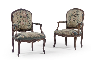 A NEAR PAIR OF LOUIS XV BEECHW