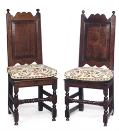 A PAIR OF QUEEN ANNE OAK CHAIR