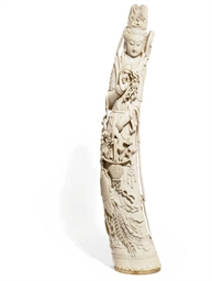 A LARGE CHINESE IVORY FIGURAL