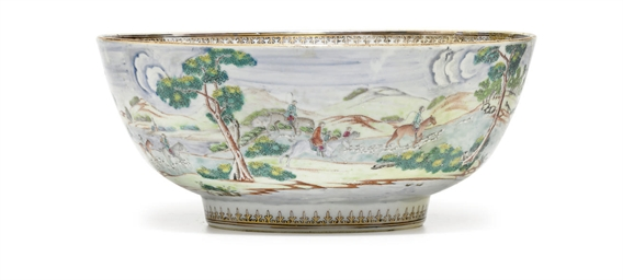 A CHINESE EXPORT PORCELAIN FOX