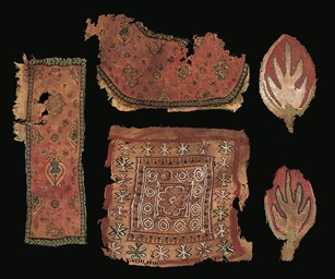 A LARGE GROUP OF COPTIC TEXTIL