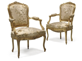 A PAIR OF GILTWOOD FAUTEUIL