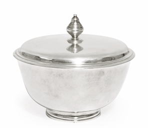 A QUEEN ANNE SILVER SUGAR BOWL